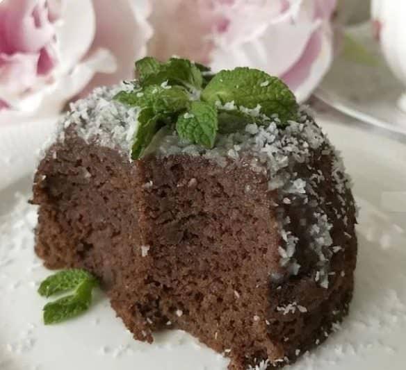 Шоколадний кекс за 10 хвилин без цукру і борошна